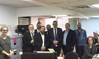Tzohar rabbis receive unexpected support
