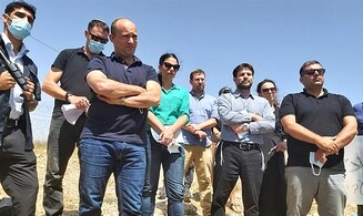 Turbulent confrontation as Yamina MK delegation visits Bedouin outpost for fact-finding